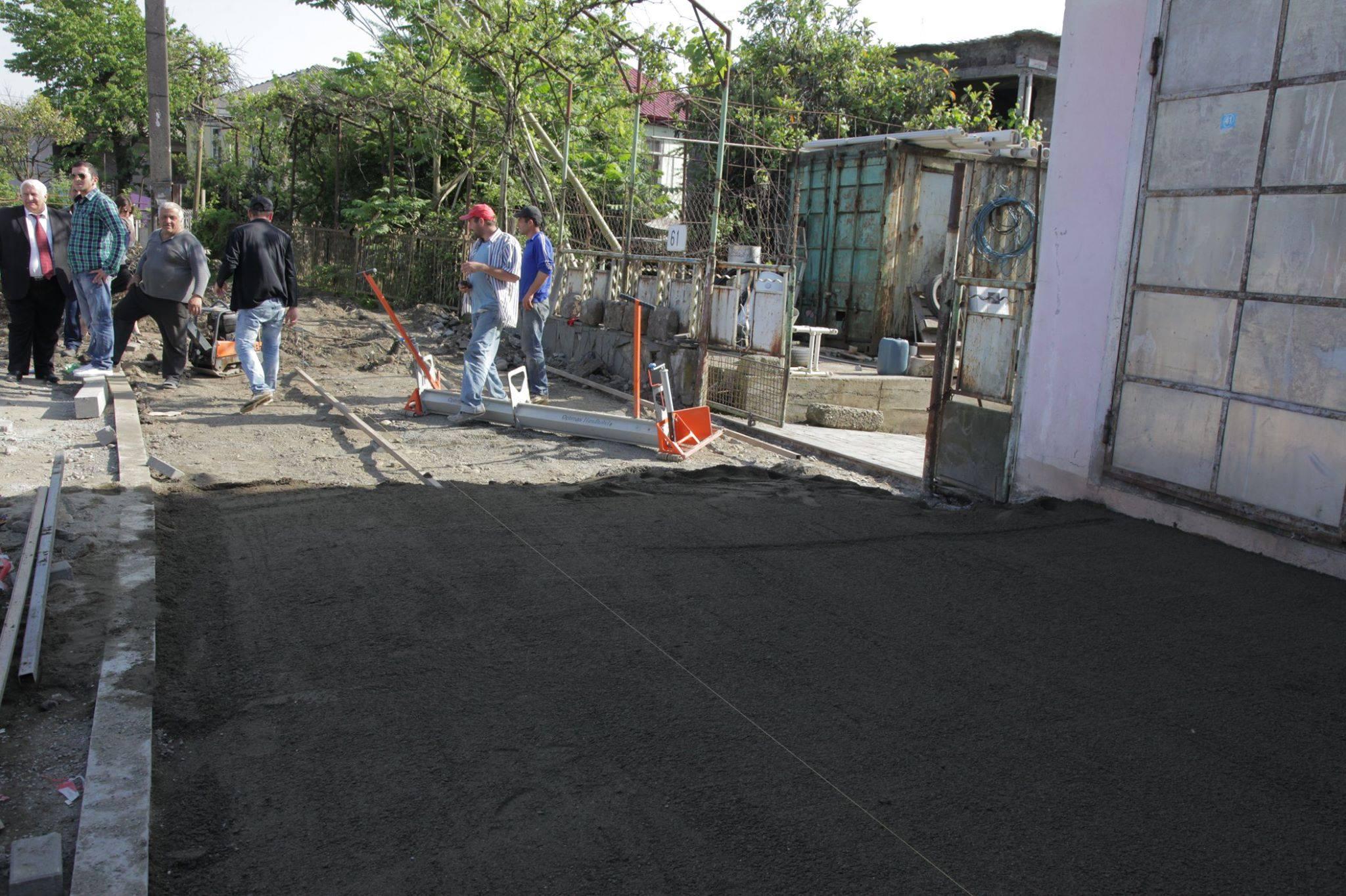 არჩილ ხაბაძემ ქობულეთში ქუჩების სარეაბილიტაციო სამუშაოები მოინახულა