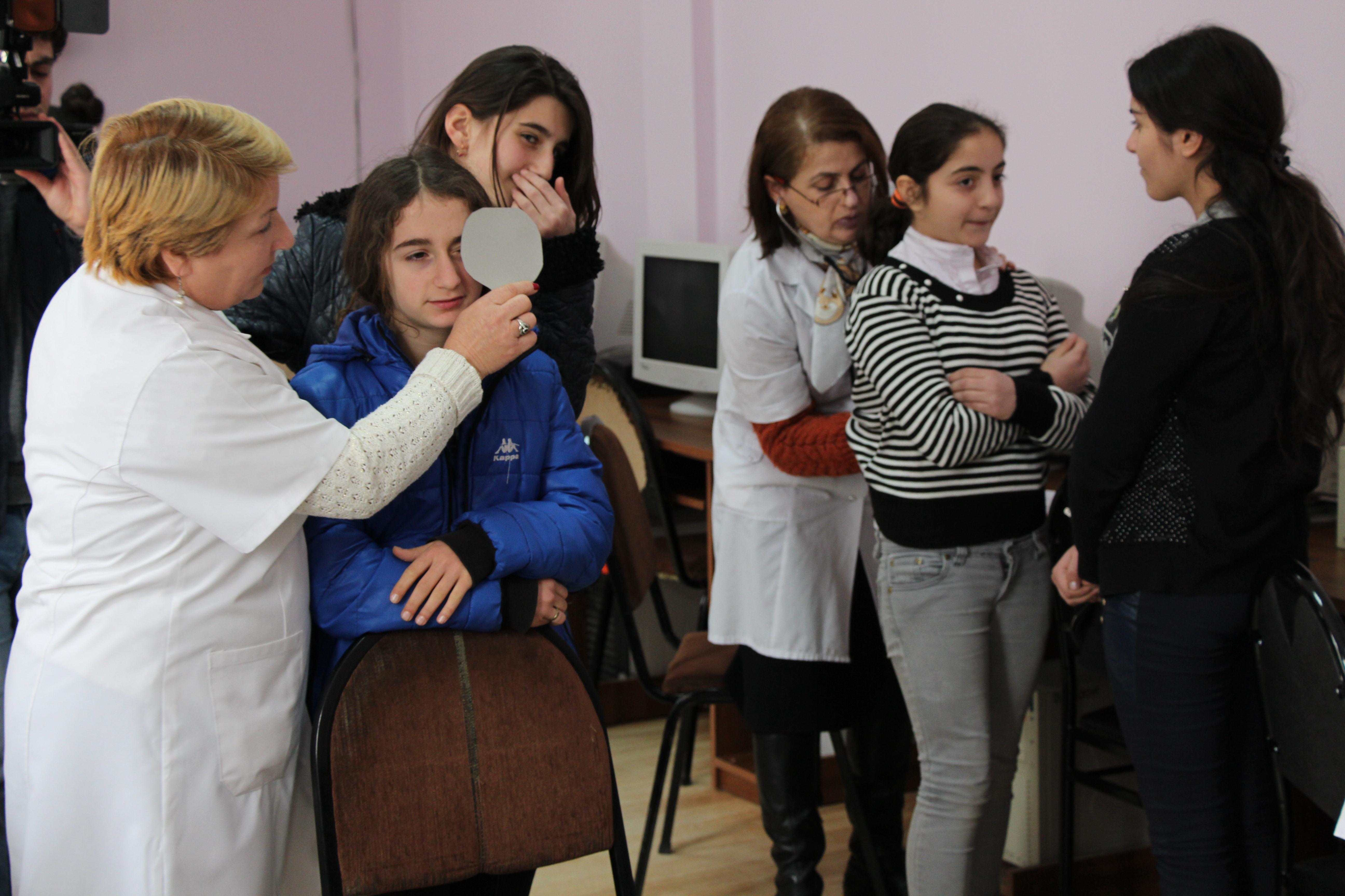 საჯარო სკოლებში მოსწავლეთა უფასო სამედიცინო შემოწმება დაიწყო