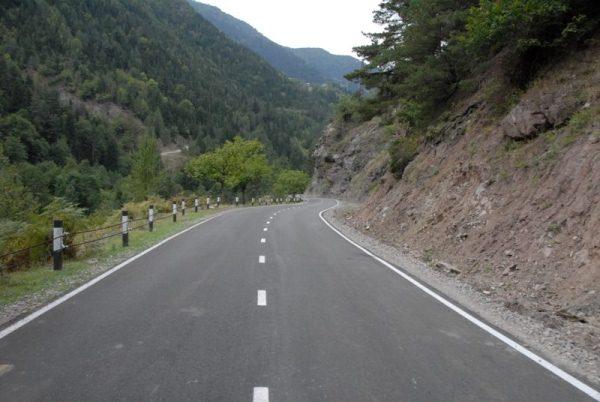 ბათუმი-ახალციხის საავტომობილო გზაზე რეაბილიტირებული 8 კილომეტრიანი მონაკვეთი გაიხსნა