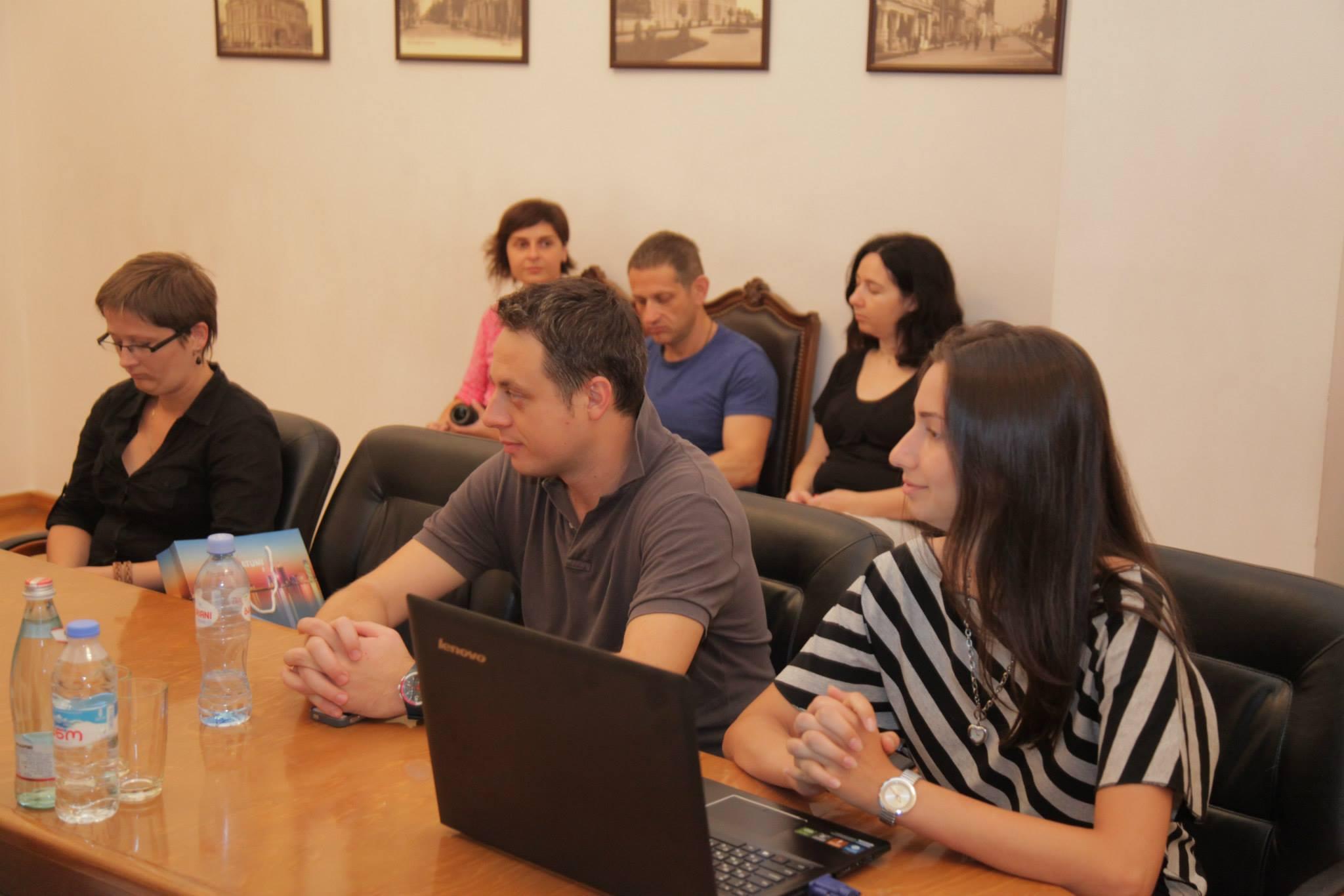 არჩილ ხაბაძე ბელორუს და ებრაელ ჟურნალისტებს შეხვდა